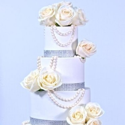 4-tier Ivory Roses