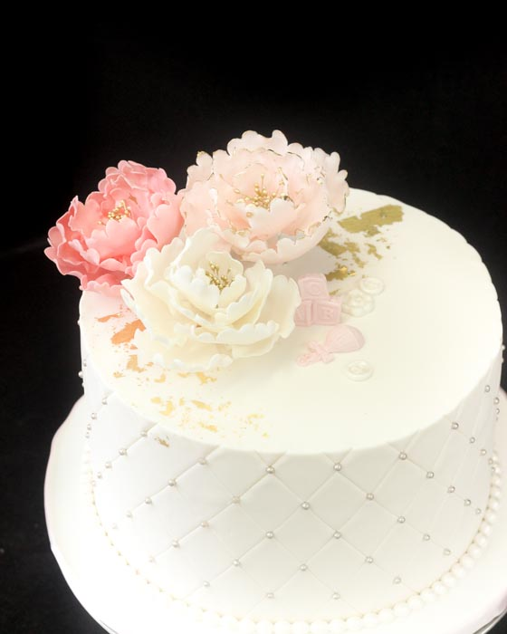 single layer wedding cake with flowers single tier cakes patisserie tillemont 20143