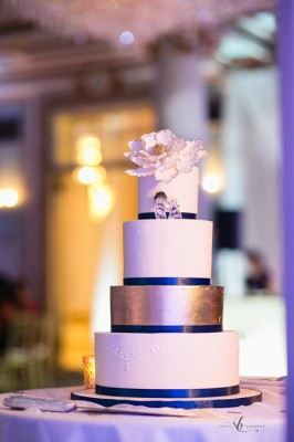 4-tier Blue and Gold